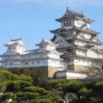 姫路城の補修が完了し、ブルーインパルスが祝賀