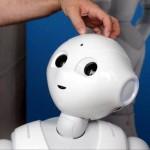 ソフトバンクの人型ロボット「Pepper」量産へ