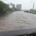 浜松市、2万7000世帯に避難勧告指示!!