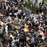 安保法案反対デモ新横浜プリンスホテルの前で衝突