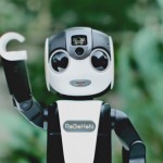 「ロボホン」ロボット型携帯電話のコンセプトムービーがありえなくて面白い